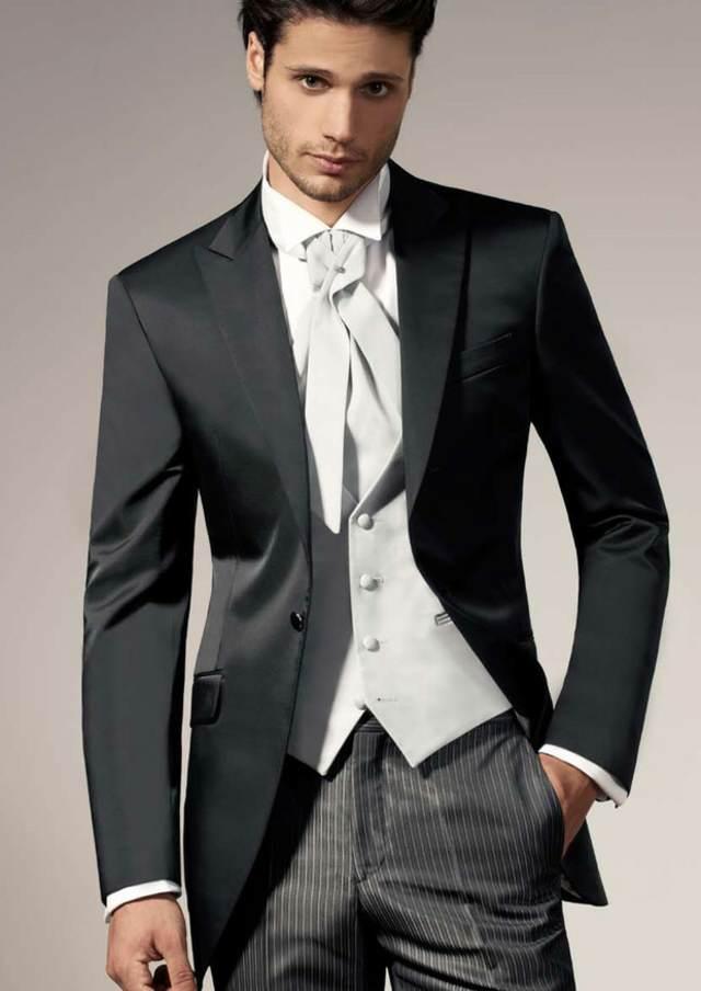 novio trajes originales colores tendencias modernas