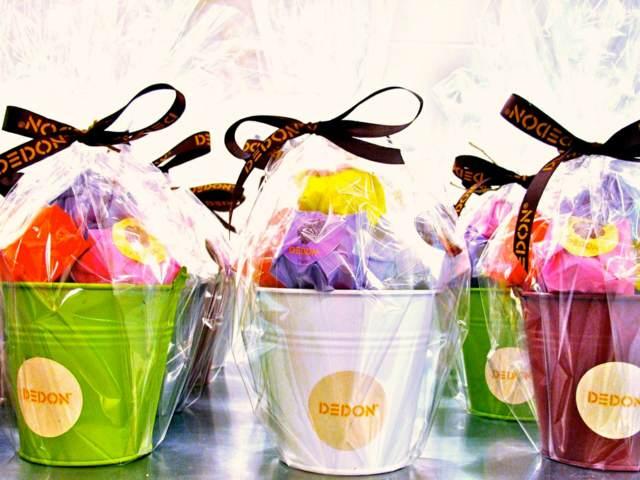 regalos colores diferentes eventos corporativos ideas