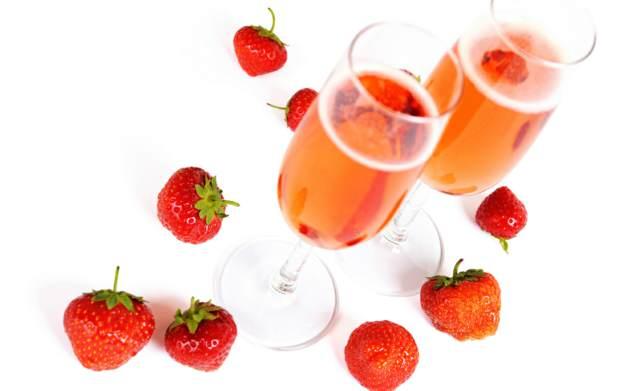 cóctel champagne fresas ideas sabrosas fiesta juegos divertidos