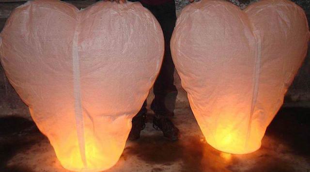 corazón forma globos de cantoya color blanco