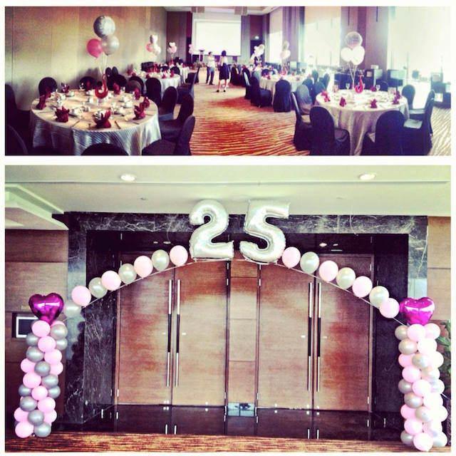 decoración temática con globos 25 aniversario boda