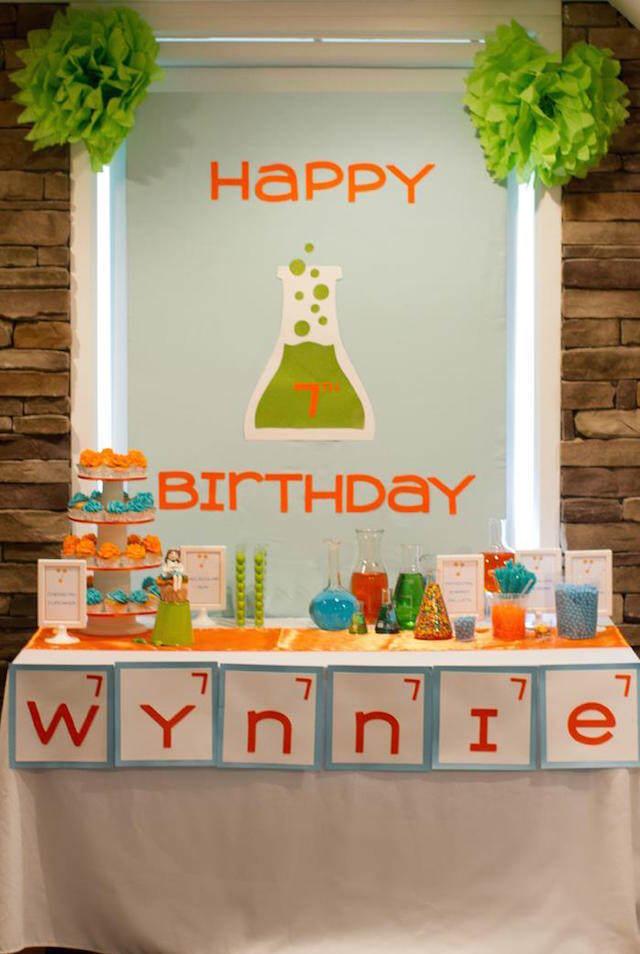 decoración de cumpleaños infantiles tema laboratorio