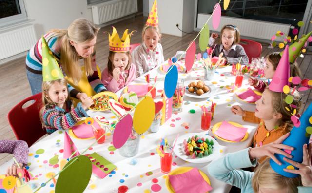 sorpresas de cumpleaños decoración fiestas infantiles gorros cartulina juegos