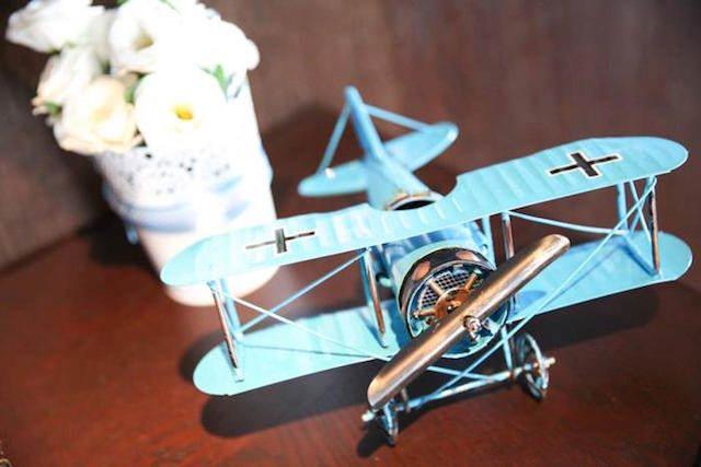 decoración temática avión flores ideas para baby shower