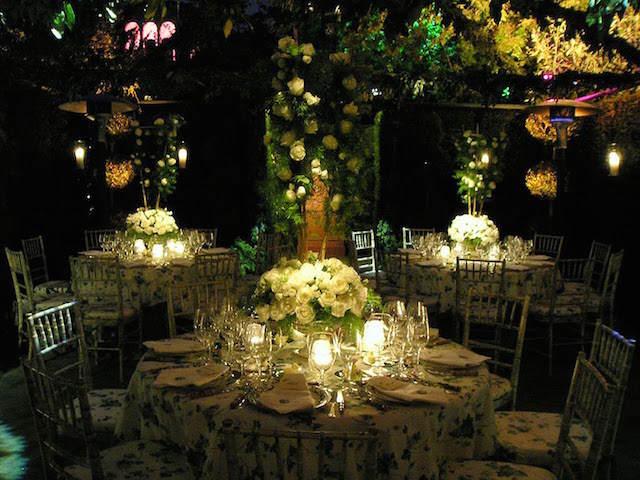fantástica decoración jardín flores bonitas