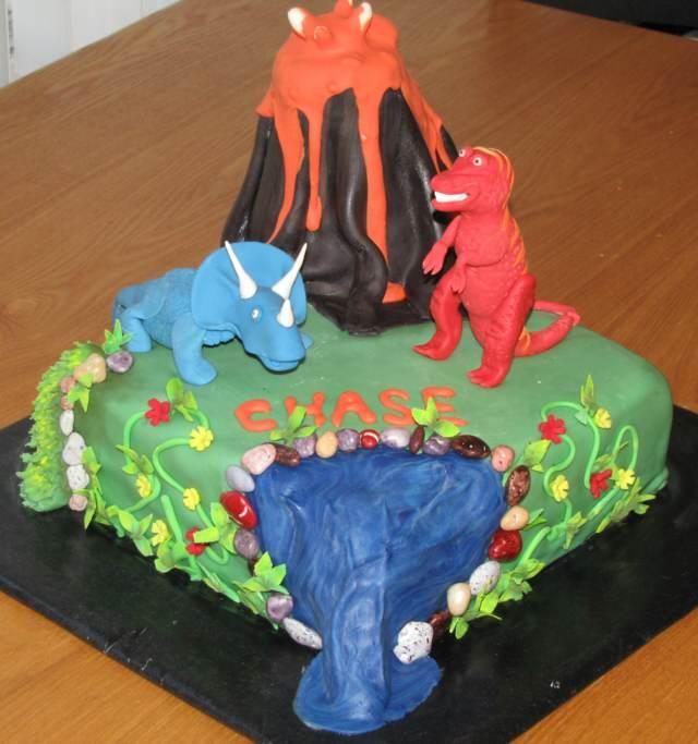 pastel fantástico decoración dinosaurios fiesta infantil ideas