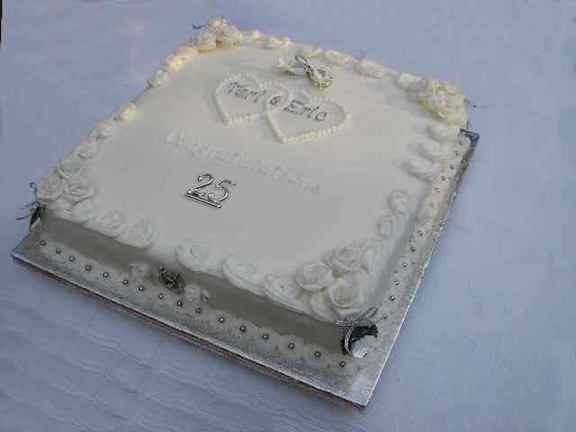 pastel para aniversario 25 decoración plata