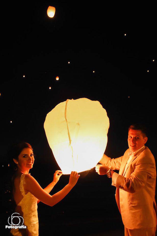 romántica fiesta novios globos de cantoya