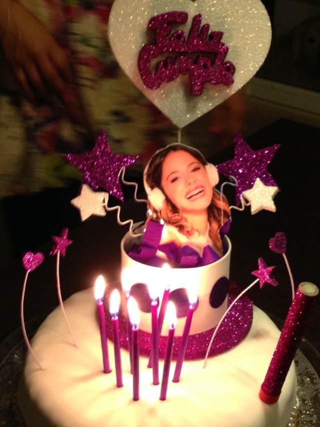 tarta temática sorpresa regalos fiesta cumpleaños