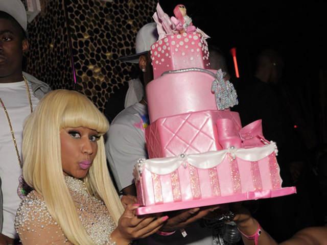 Nicki Minaj cumpleanos fiesta famosos pastel