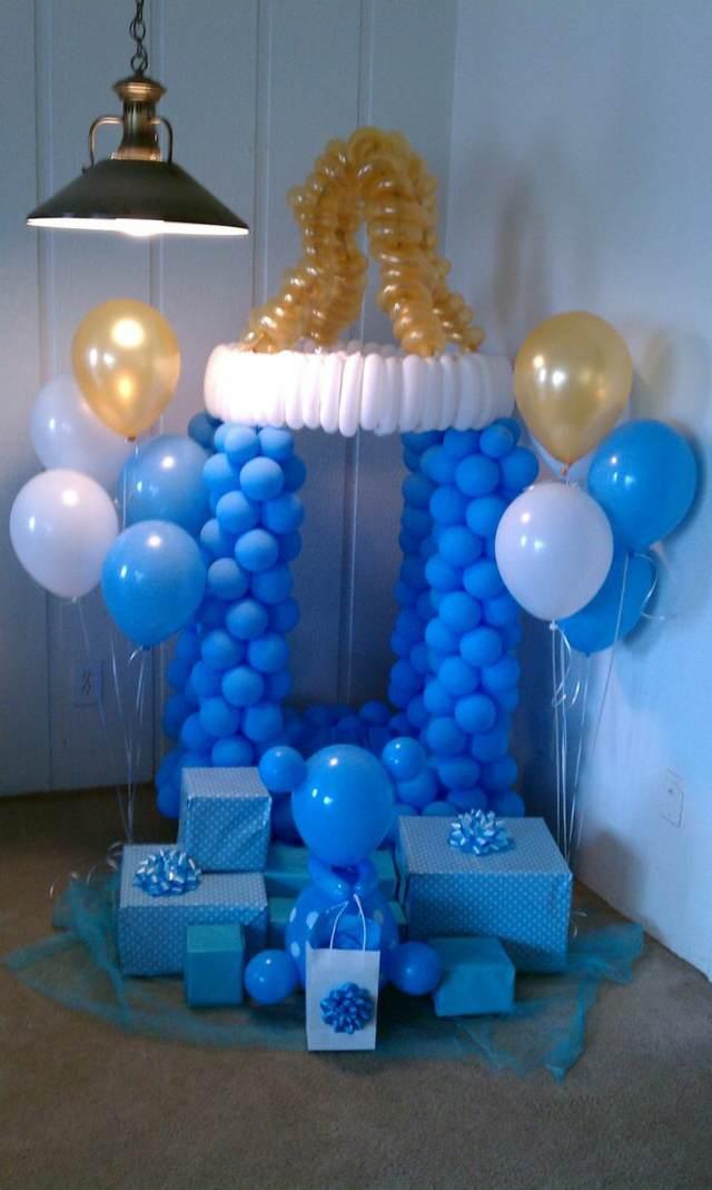 arreglos con globos decoración temática color azul bautizo
