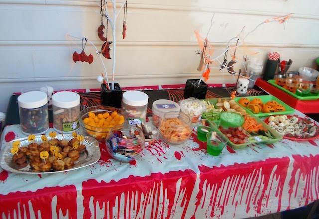 Banquetes interesantes para fiestas infantiles - Decoracion mesa halloween ...