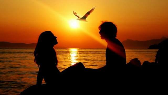 destinos románticos puesta del sol novios aniversario