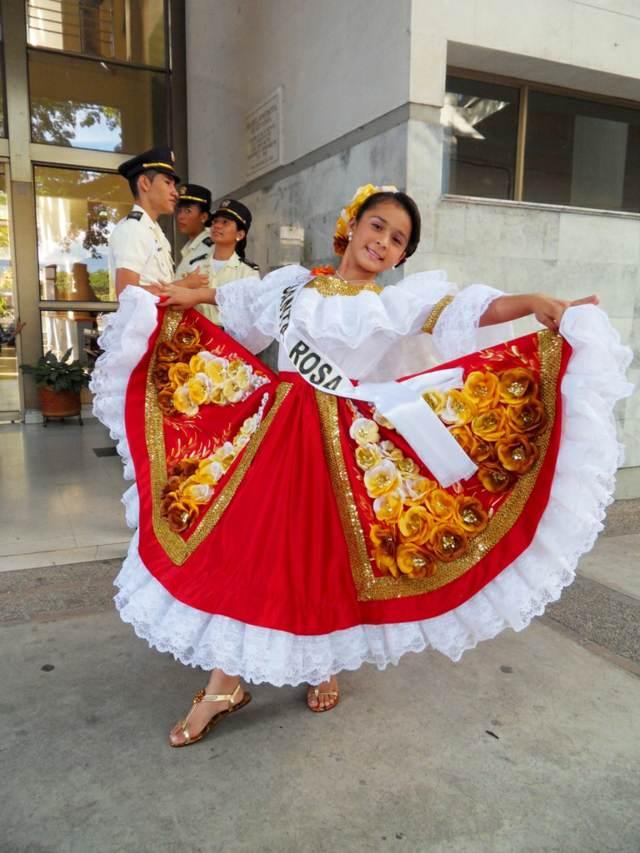 fiestas tradicionales trajes originales disfraces infantiles