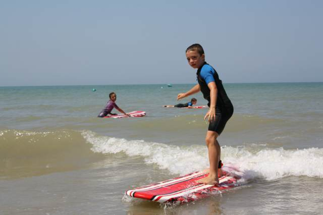 juegos infantiles playa mar fiestas divertidas verano