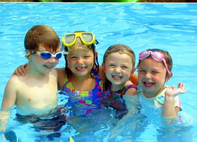 juegos para fiestas infantiles ideas divertidas piscina