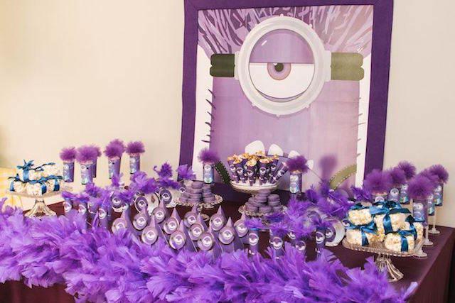minions color lila decoración de fiestas