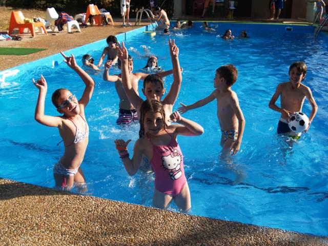 piscina juegos infantiles divertidos fiesta ideas