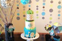 preciosa-decoracion-y-recuerdos-para-bautizo-tema-polca-dots