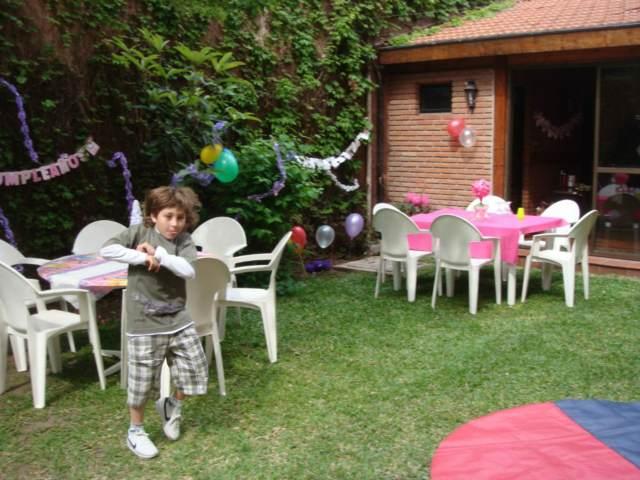 fiestas infantiles decoración globos ideas aire libre