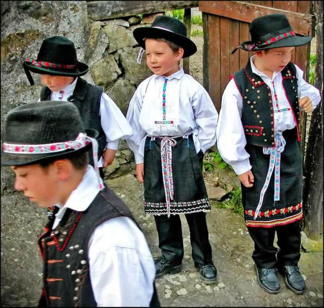 disfraces para niños trajes nacionales fiestas temáitcas ideas originales