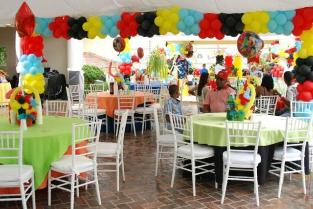 Salones de fiestas infantiles modernos para juegos divertidos - Diseno de salones ...