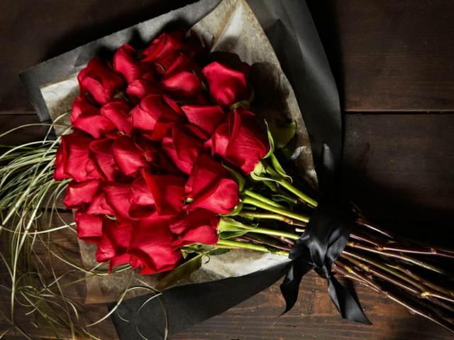 flores hermosas ramo rosas rojas maravillosas noviazgo
