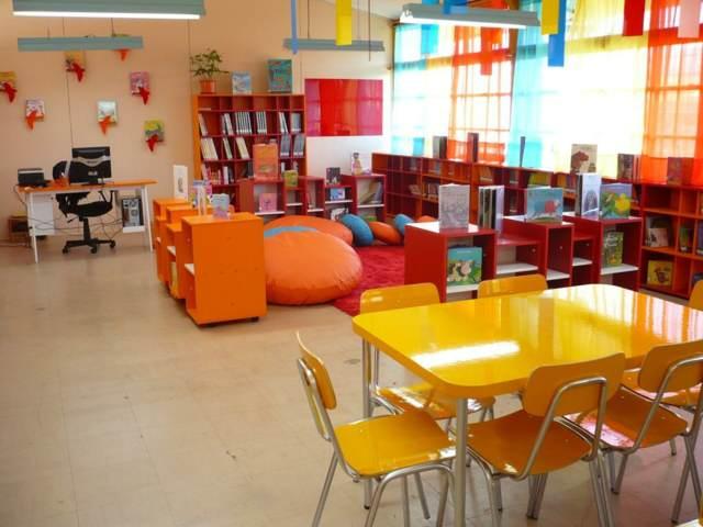 Salones de fiestas infantiles modernos para juegos divertidos - Diseno de salones modernos ...
