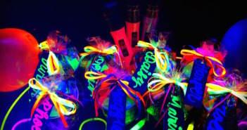 decoracion-para-cumpleanos-en-colores-neon-detalles-importantes