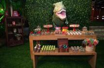 estupenda-decoracion-para-cumpleanos-Jurassic-park