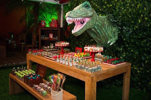 magnifica decoracion para cumpleanos tema dinosaurios cinema