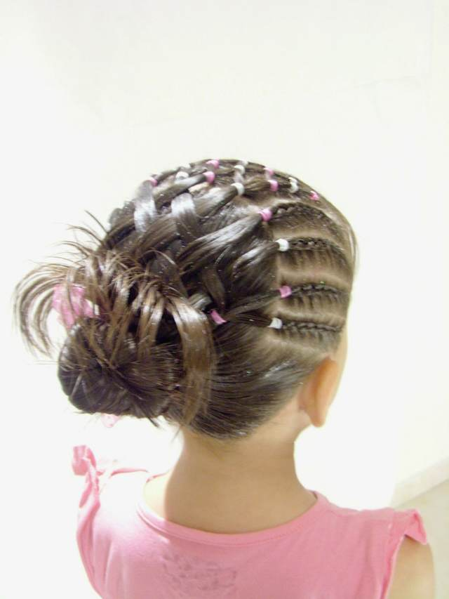 Especial peinados niña Galería de cortes de pelo tutoriales - Preciosos peinados infantiles: tendencias modernas